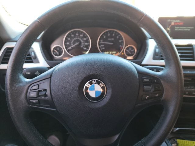 2016 BMW 3 Series 4dr Sdn 320i xDrive AWD South Africa - Image 15