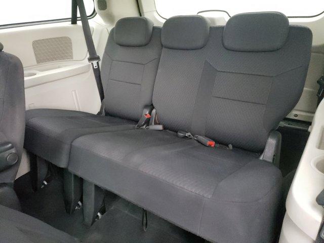 2010 Dodge Grand Caravan 4dr Wgn SXT - Image 6