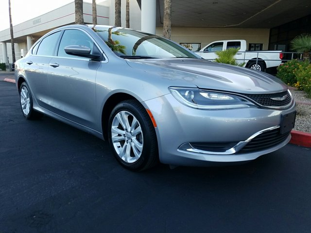 2015 Chrysler 200 4dr Sdn Limited FWD - Image 15