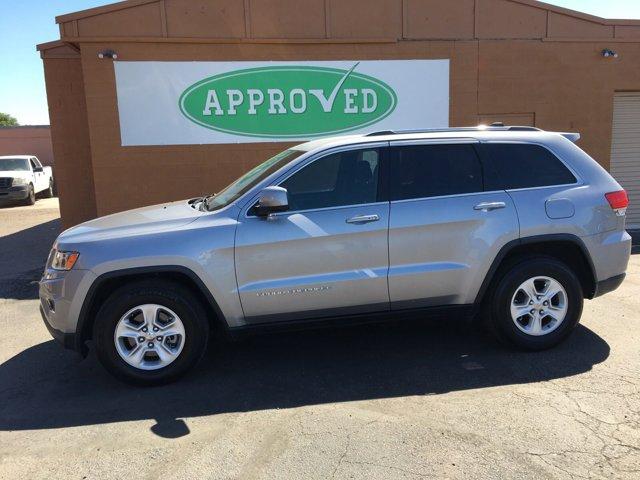 2014 Jeep Grand Cherokee RWD 4dr Laredo - Image 2
