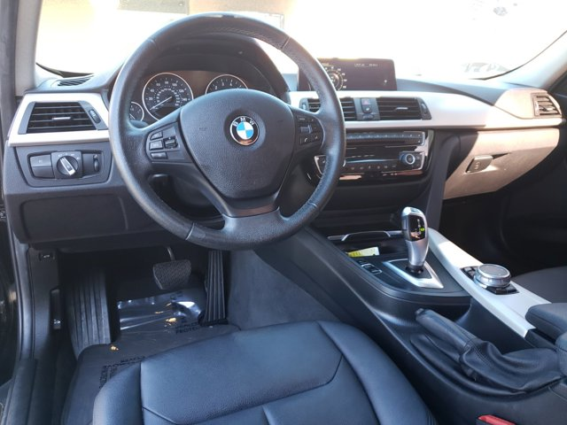 2016 BMW 3 Series 4dr Sdn 320i xDrive AWD South Africa - Image 11