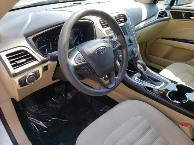 2014 Ford Fusion 4dr Sdn SE FWD - Image 13