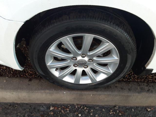 2013 Chrysler 200 4dr Sdn Touring - Image 7