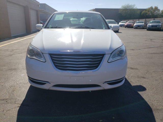 2014 Chrysler 200 4dr Sdn LX - Image 3