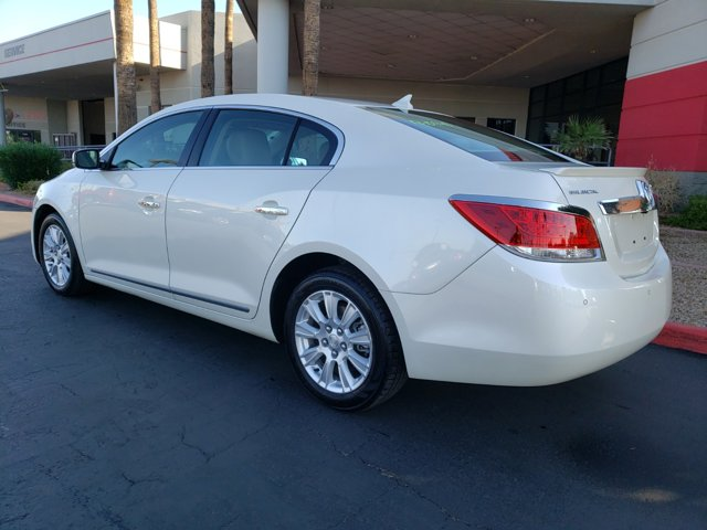 2013 Buick LaCrosse 4dr Sdn Leather FWD - Image 4