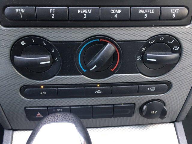 2005 Ford Five Hundred 4dr Sdn SE - Image 19