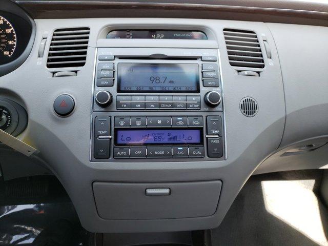 2011 Hyundai Azera 4dr Sdn Limited - Image 13