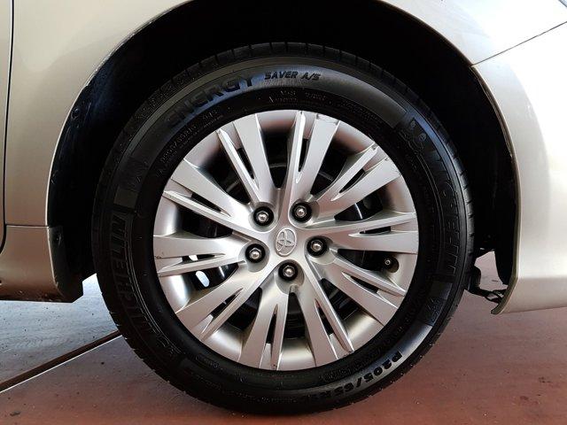 2014 Toyota Camry 4 DOOR SEDAN - Image 3