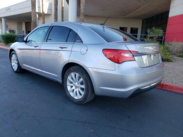 2014 Chrysler 200 4dr Sdn Touring - Image 4