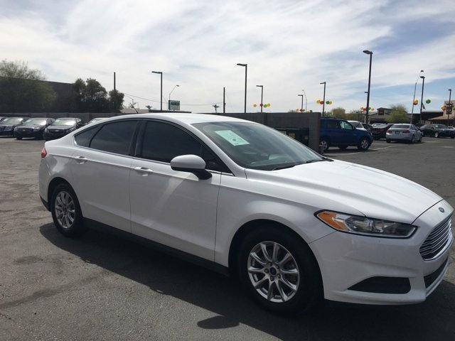 2016 Ford Fusion 4dr Sdn S FWD - Image 4