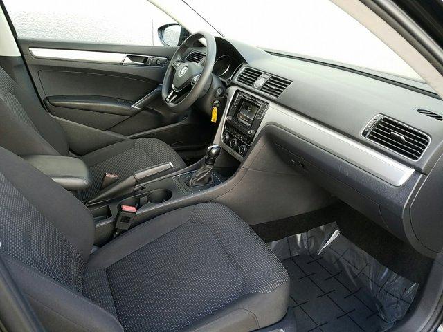 2016 Volkswagen Passat 4 DOOR SEDAN - Image 13
