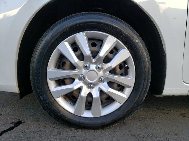 2014 Nissan Sentra 4dr Sdn I4 CVT SV - Image 3