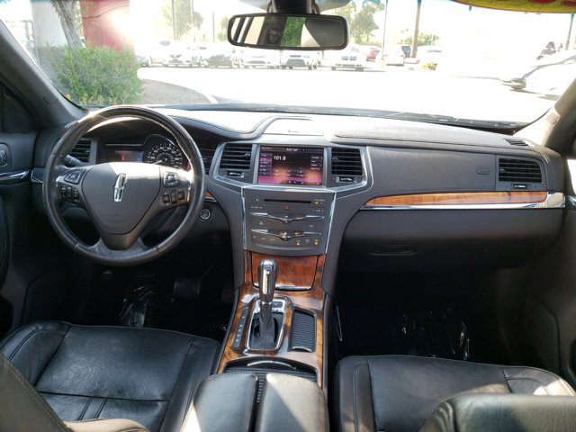 2013 Lincoln MKS 4dr Sdn 3.5L AWD EcoBoost - Image 10