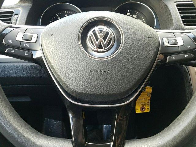2016 Volkswagen Passat 4 DOOR SEDAN - Image 10