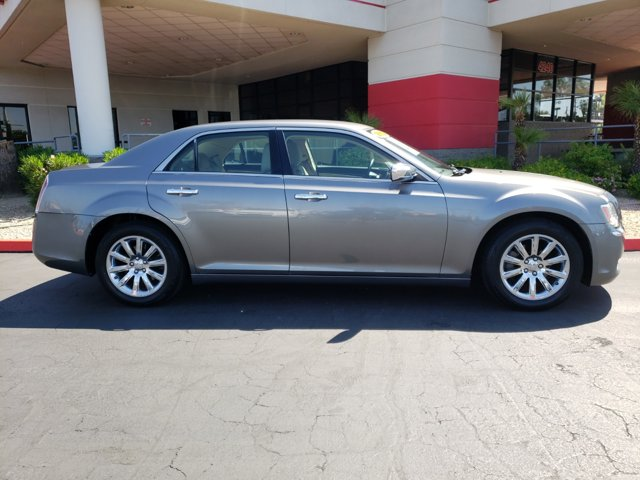 2011 Chrysler 300 4dr Sdn Limited RWD - Image 7