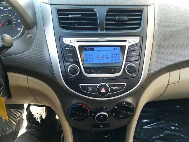 2014 Hyundai Accent 4dr Sdn Auto GLS - Image 9