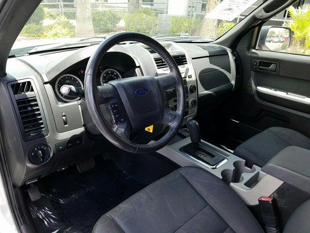 2011 Ford Escape FWD 4dr XLT - Image 4