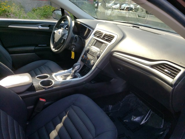 2013 Ford Fusion 4dr Sdn SE FWD - Image 12