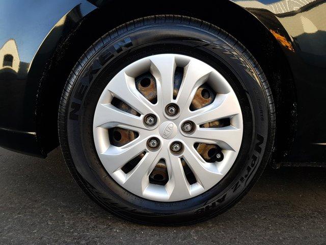 2010 Kia Forte 4dr Sdn Auto EX - Image 3
