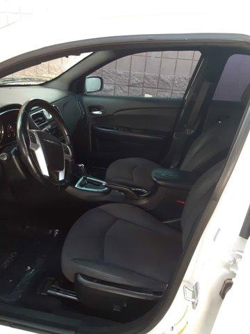 2013 Chrysler 200 4dr Sdn Touring - Image 8