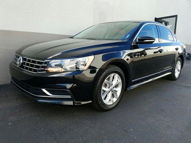 2016 Volkswagen Passat 4 DOOR SEDAN