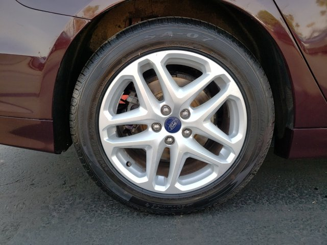 2013 Ford Fusion 4dr Sdn SE FWD - Image 9