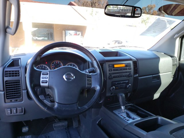 2011 Nissan Titan 2WD Crew Cab SWB SV - Image 10