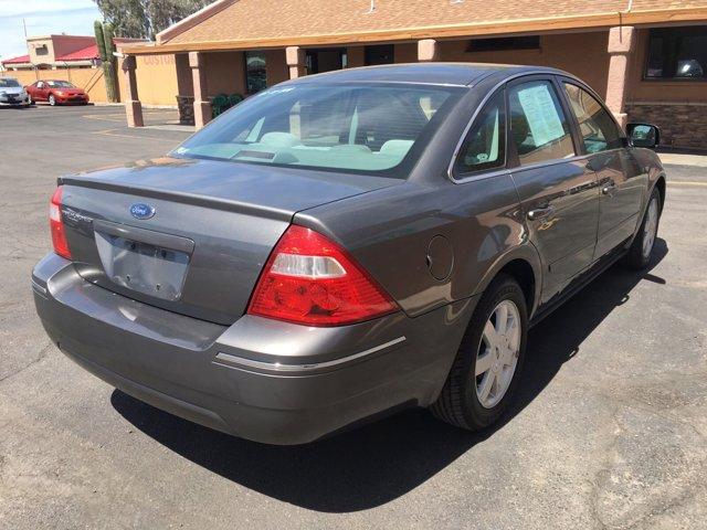2005 Ford Five Hundred 4dr Sdn SE - Image 9