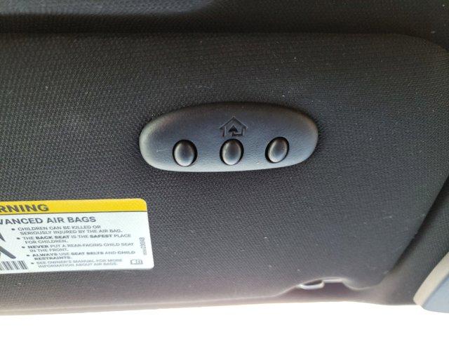 2013 Chrysler 200 4dr Sdn Touring - Image 20