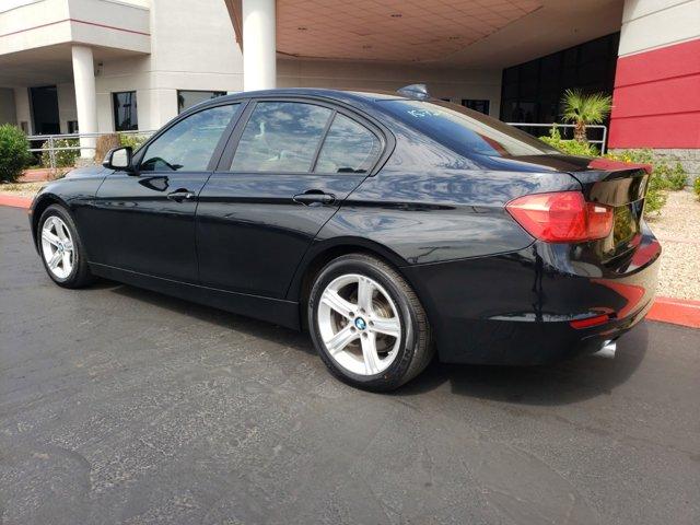 2015 BMW 3 Series 4dr Sdn 320i RWD - Image 4