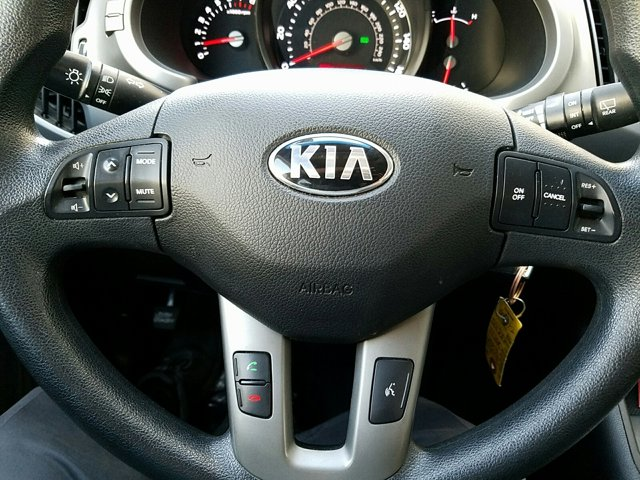 2015 Kia Sportage 2WD 4dr LX - Image 11