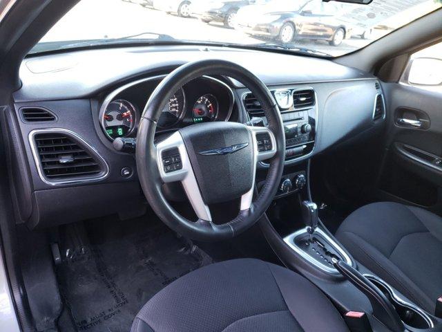 2014 Chrysler 200 4dr Sdn Touring - Image 14