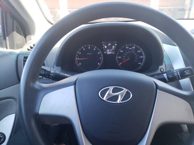 2014 Hyundai Accent 4dr Sdn Auto GLS - Image 16