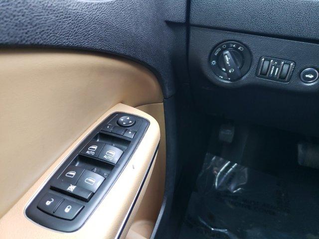 2012 Dodge Charger 4dr Sdn SXT Plus RWD - Image 18