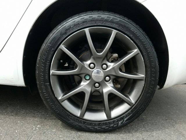 2013 Dodge Dart 4dr Sdn SXT - Image 3