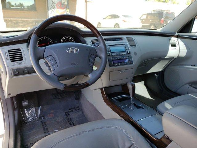 2011 Hyundai Azera 4dr Sdn Limited - Image 10