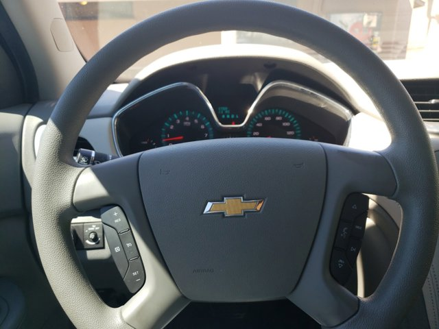 2015 Chevrolet Traverse FWD 4dr LS - Image 18