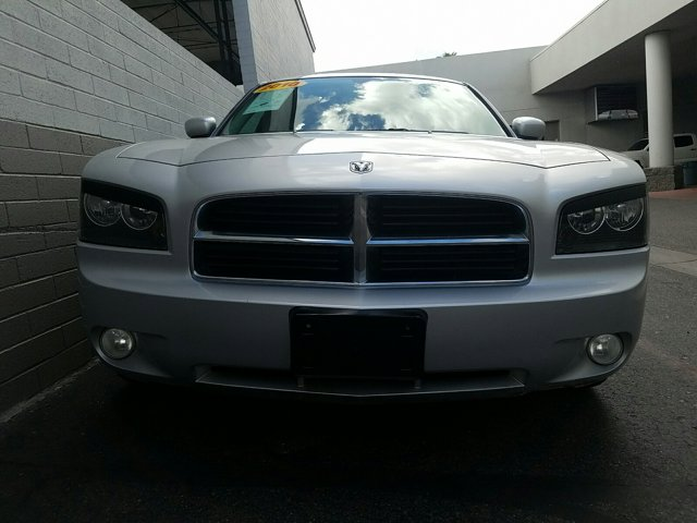 2010 Dodge Charger 4dr Sdn SXT RWD - Image 2