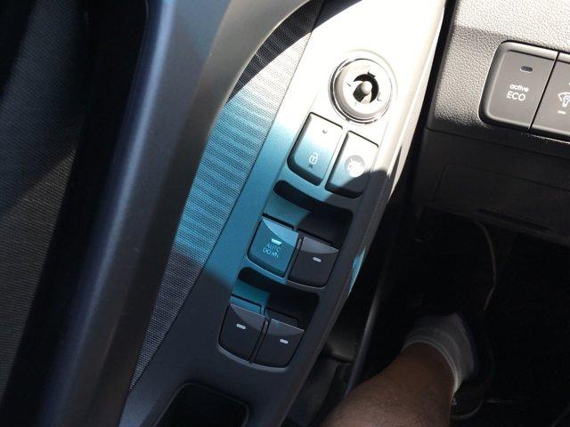 2013 Hyundai Elantra 4dr Sdn Auto GLS PZEV (Ulsan Plant) - Image 23