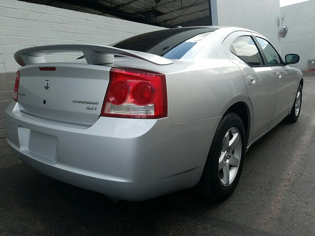 2010 Dodge Charger 4dr Sdn SXT RWD - Image 12