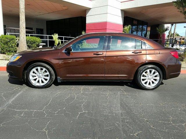 2012 Chrysler 200 4dr Sdn Touring - Image 6