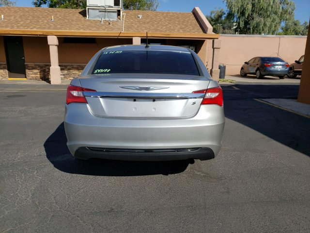 2013 Chrysler 200 4dr Sdn Touring - Image 6