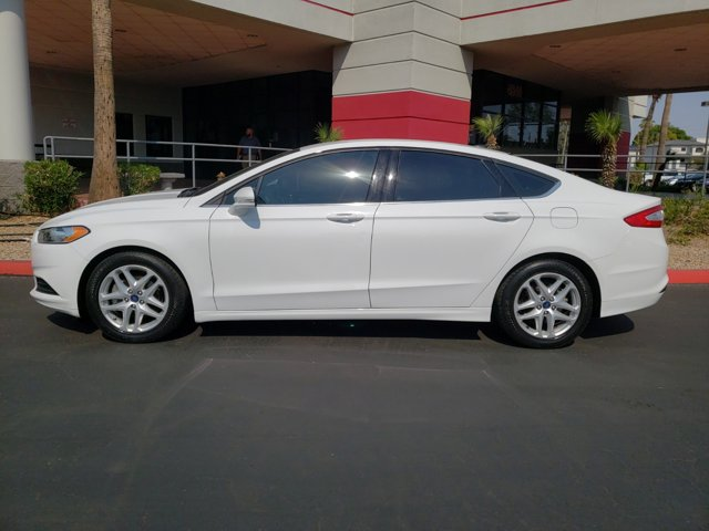 2014 Ford Fusion 4dr Sdn SE FWD - Image 3
