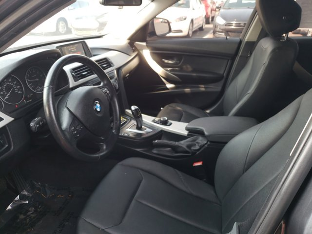 2016 BMW 3 Series 4dr Sdn 320i RWD South Africa - Image 11