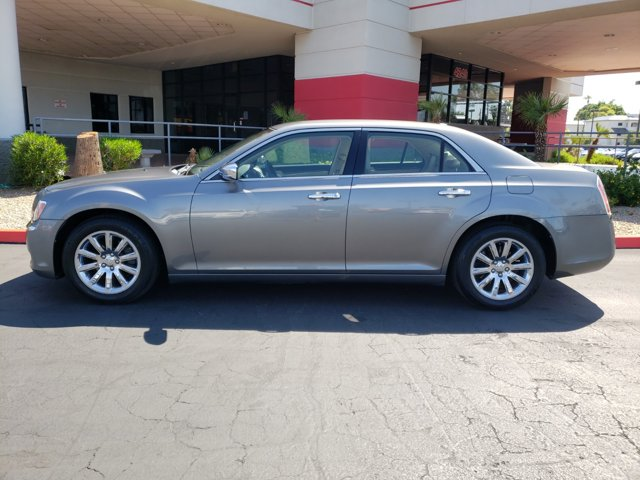 2011 Chrysler 300 4dr Sdn Limited RWD - Image 3