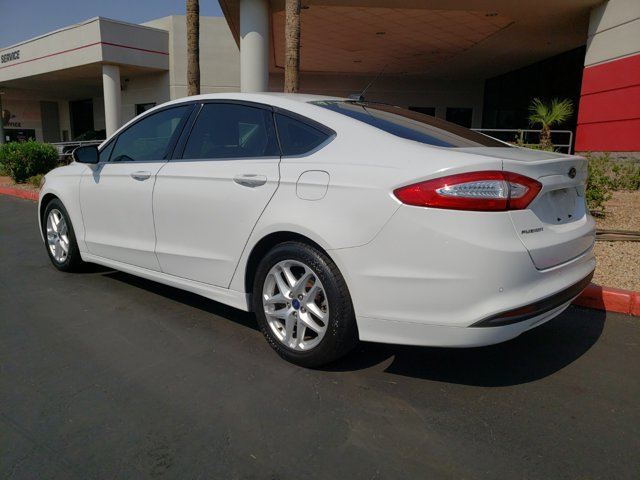 2014 Ford Fusion 4dr Sdn SE FWD - Image 4