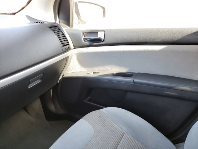 2012 Nissan Sentra 4dr Sdn I4 CVT 2.0 S - Image 8