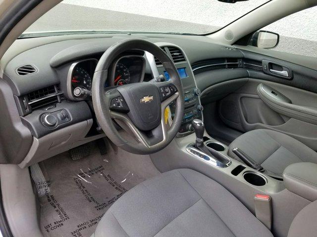 2015 Chevrolet Malibu 4dr Sdn LS w/1FL - Image 3