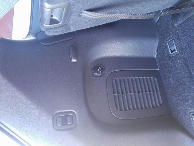 2015 Nissan Pathfinder 2WD 4dr S - Image 16