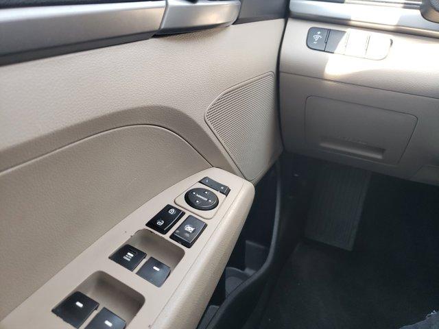 2017 Hyundai Elantra SE 2.0L Auto (Alabama) *Ltd Avail* - Image 19